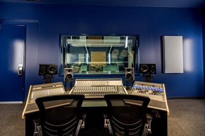 17_19_recording_studio_copy_mls